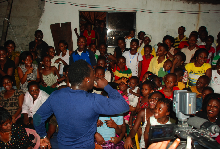 Duncan Mighty speaking to the youths on pursuing their dreams