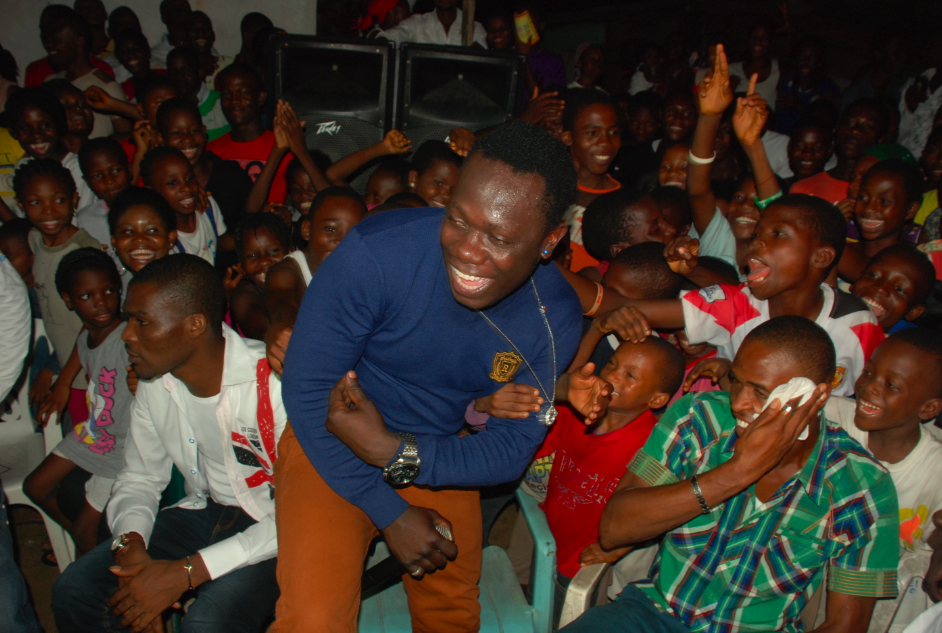 Duncan Mighty performing
