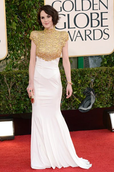 michelle_dockery_lady_mary_golden_globes_2013_gold_and_white_gown_18f6j1v-18f6j26