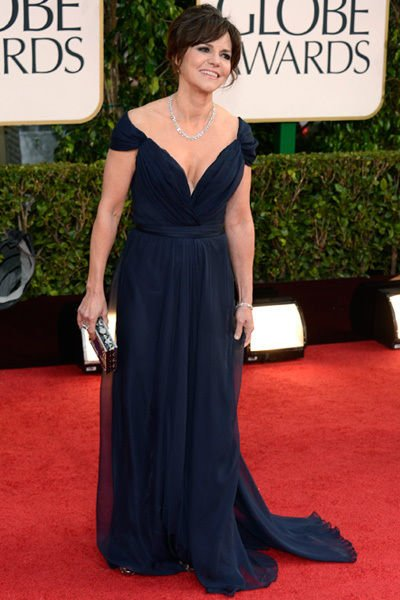 sally_field_golden_globes_2013_navy_billowing_gown_18f6j9o-18f6jal