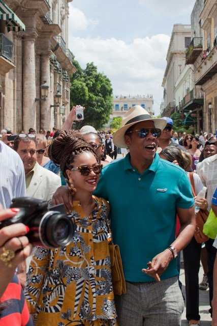 Beyonce-and-Jay-Z-in-Cuba-7
