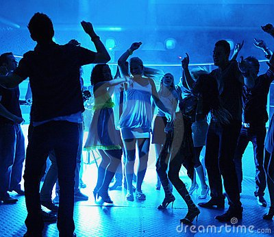 silhouette-people-dancing-disco-7767260