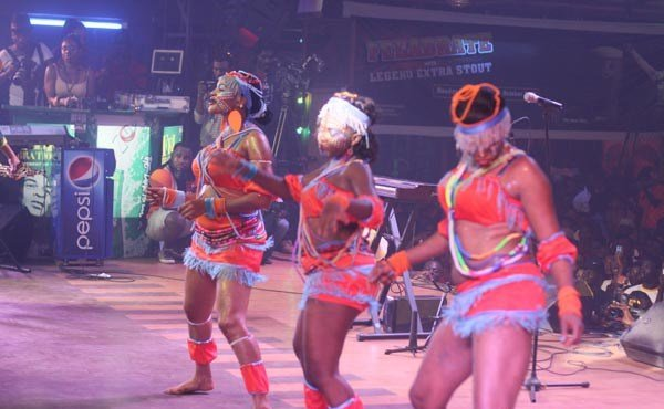 Dancers-performing-at-Felabration-2013-New-Afrika-shrine-October-2013-41-copy