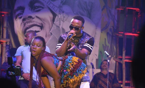 Iyanya-performing-at-Felabration-2013-New-Afrika-shrine-October-2013-18-copy