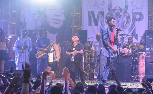 Omobaba-and-Osita-Iheme-performing-at-Felabration-2013-New-Afrika-shrine-October-2013-11-copy