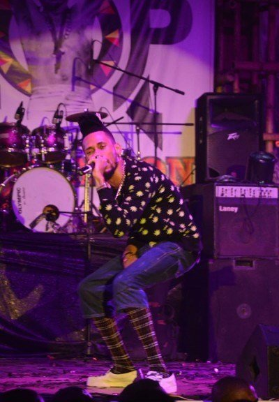 Phyno-performing-at-Felabration-2013-New-Afrika-shrine-October-2013-30-copy-400x600