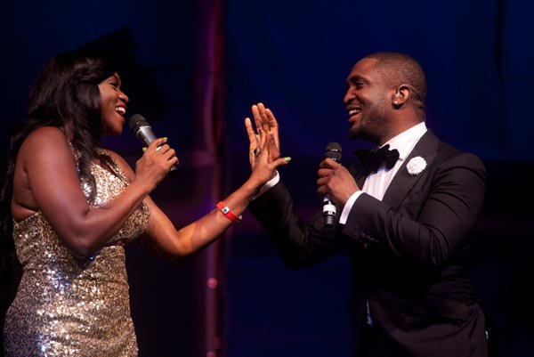 Soulful-Darey-performing-with-Waje-on-stage
