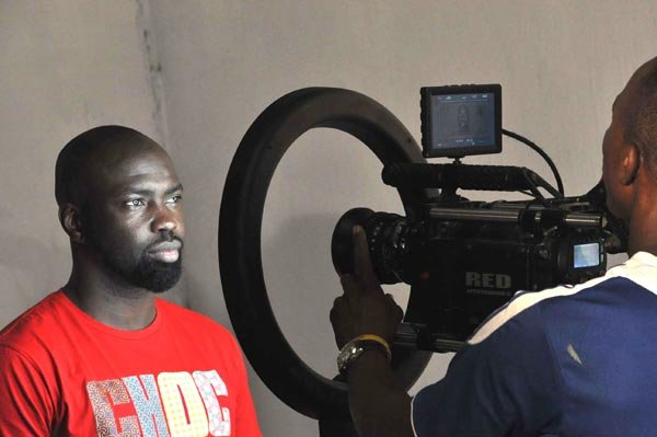 Behind-the-scene-photos-from-the-set-of-Nosas-Why-you-love-me-Video-1