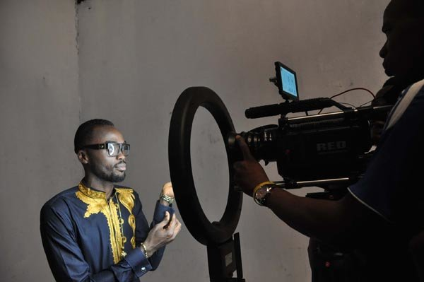 Behind-the-scene-photos-from-the-set-of-Nosas-Why-you-love-me-Video-2