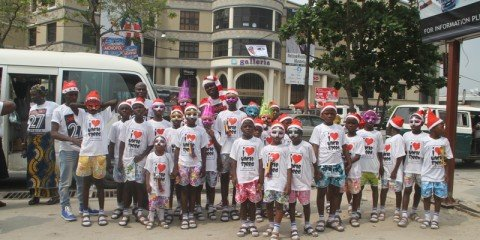 27 Happy Kids Benefit From Boxing Day Tour By Project27 Africa (13)