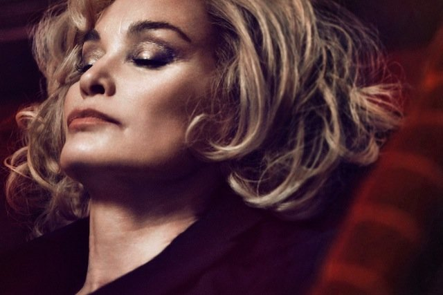 Jessica-Lange-the-new-face-of-Marc-Jacobs-Beauty-FAB-Magazine (1)