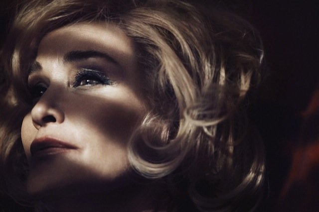 Jessica-Lange-the-new-face-of-Marc-Jacobs-Beauty-FAB-Magazine (2)
