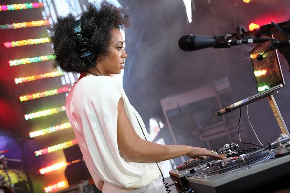 Solange-Knowles-#WCW-14-Reasons-We-Are-Obsessed-FAB-Magazine (1)