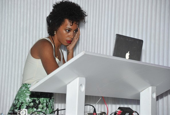 Solange-Knowles-#WCW-14-Reasons-We-Are-Obsessed-FAB-Magazine (16)