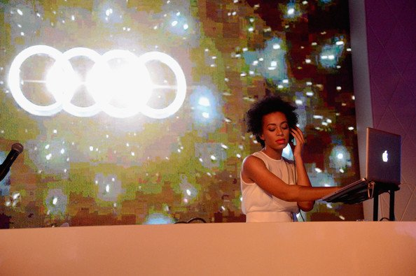 Solange-Knowles-#WCW-14-Reasons-We-Are-Obsessed-FAB-Magazine (17)