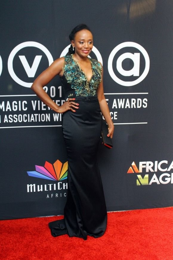 10-Michelle-Dede-Red-Carpet-Looks-Worth-Noticing-FAB-Magazine-Style-Celebration (6)