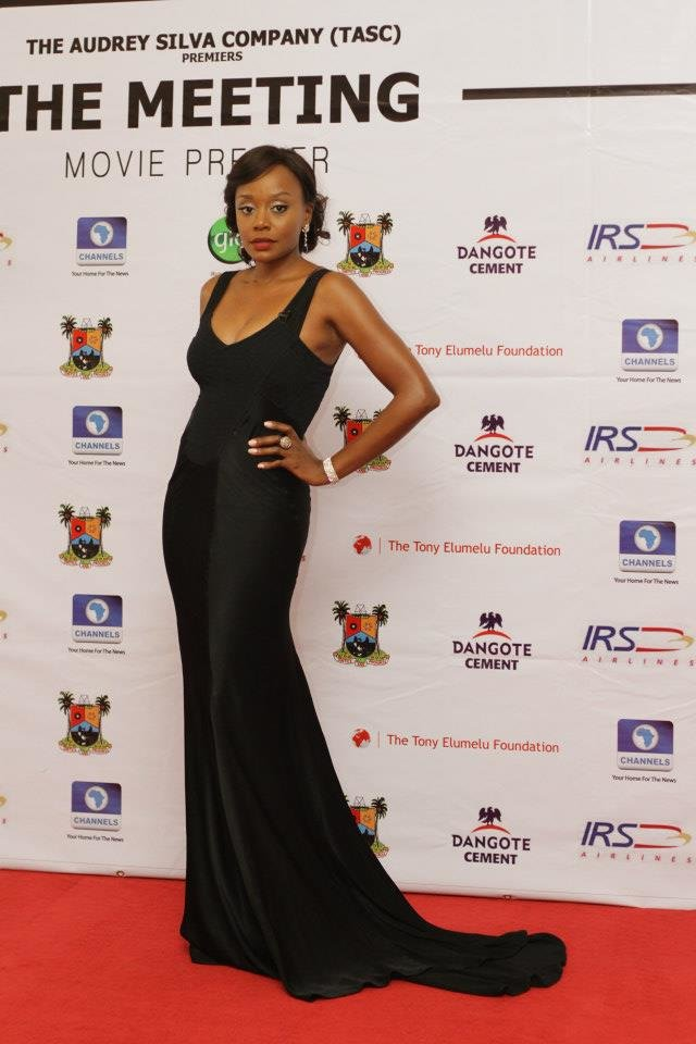 10-Michelle-Dede-Red-Carpet-Looks-Worth-Noticing-FAB-Magazine-Style-Celebration (7)