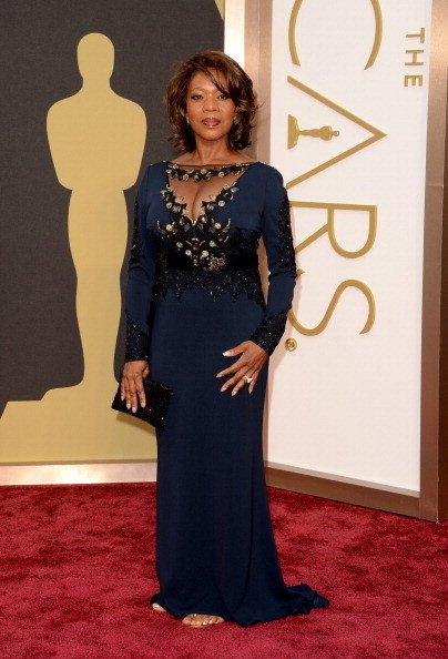 Alfre Woodard in Escada