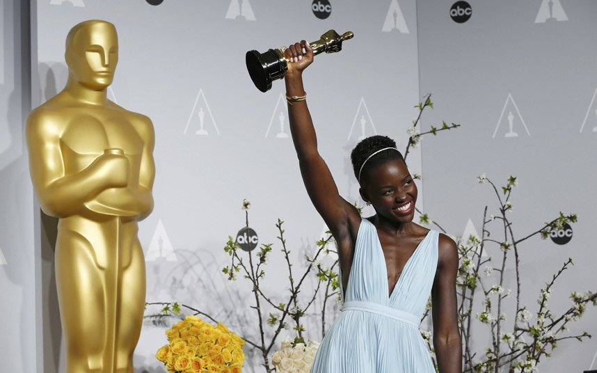 FAB-Magazine-2014-Oscars-most-memorable-moments.jpg13