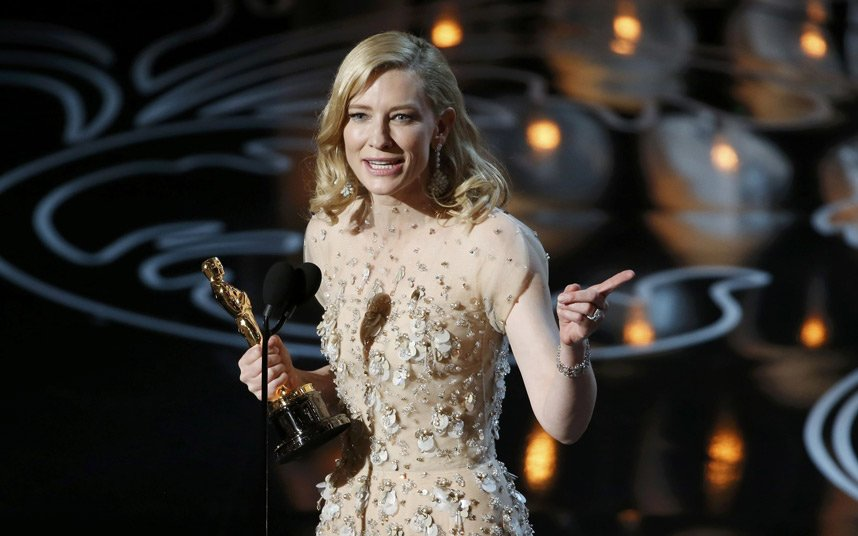 FAB-Magazine-2014-Oscars-most-memorable-moments.jpg3