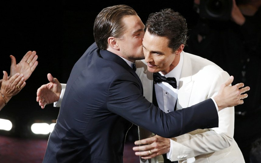 FAB-Magazine-2014-Oscars-most-memorable-moments.jpg5