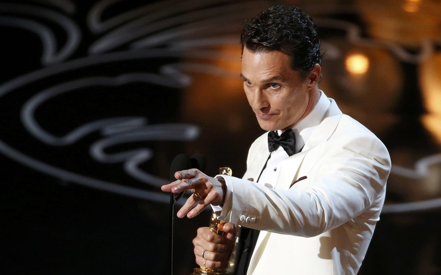 FAB-Magazine-2014-Oscars-most-memorable-moments.jpg6