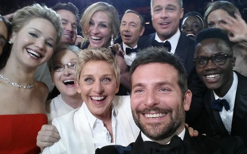 FAB-Magazine-2014-Oscars-most-memorable-moments.jpg7