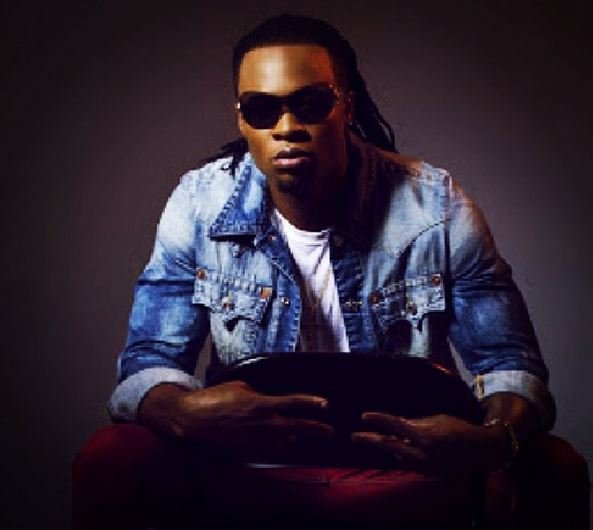 FAB-Magazine-Flavour-shares-nude-bathroom-selfie-on-Instagram.JPG3