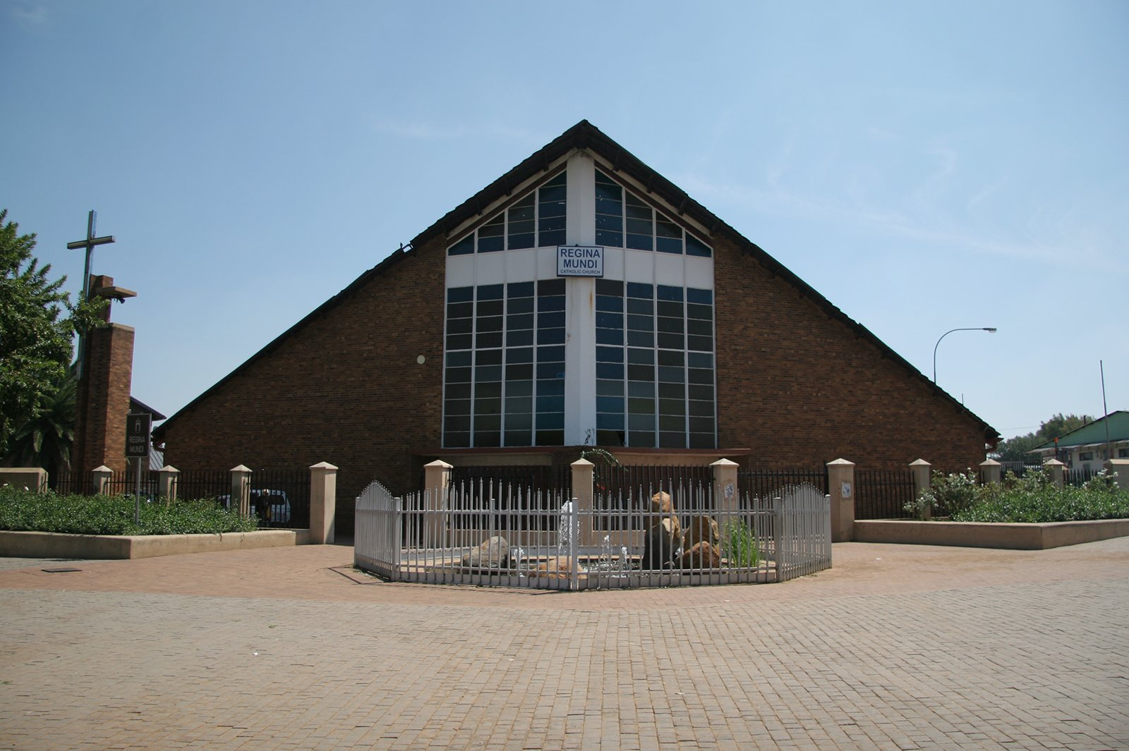 regina-mundi-catholic-church-south-africa-fab-magazine