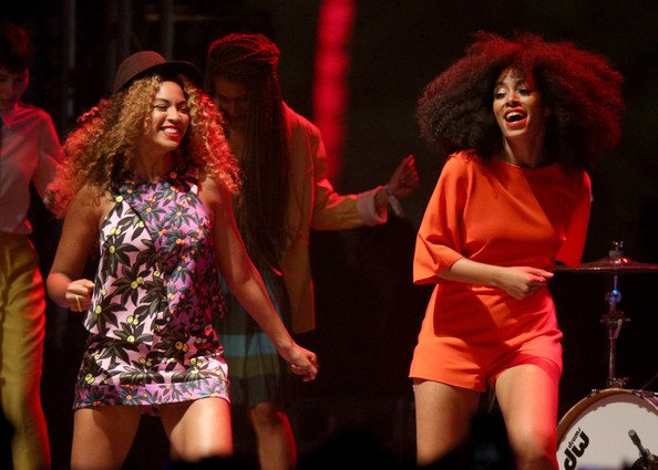 FAB Fashion Beyonce Knowles-Carter And Solange Knowles At 2014 Coachella Valley Music And Arts Festival FAB Fashion (11)