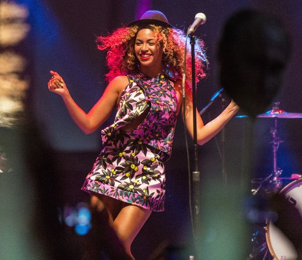 FAB Fashion Beyonce Knowles-Carter And Solange Knowles At 2014 Coachella Valley Music And Arts Festival FAB Fashion (5)