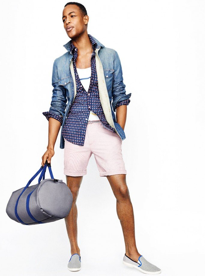 J Crew for Men: Spring/Summer We visited with the head of J Crew men's design, Frank Muytjens, as he and his team headed into the final fittings for their spring/summer collection. Check out what you can expect to trend this season.