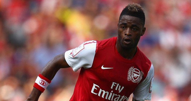 Alex-Song-Arsenal-v-New-York-Red-Bulla_26296621