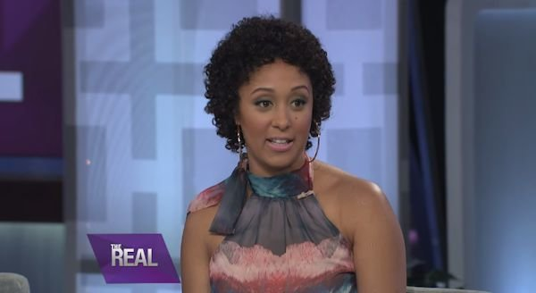 Tamera-Mowry-Housely-natural-hair