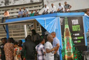 Guests at the 2015 Annual Ikeji Arondizuogu festival clamouring for the new Ace Roots herbal fruits drink