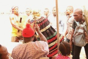 Masquerade paying Homage to guests at 2015 Annual Ikeji Arondizuogu Festival on Easter Sunday