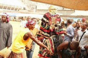 Masquerade perfoming for guests at 2015 Annual Ikeji Arondizuogu Festival on Easter Sunday in Lagos (1)